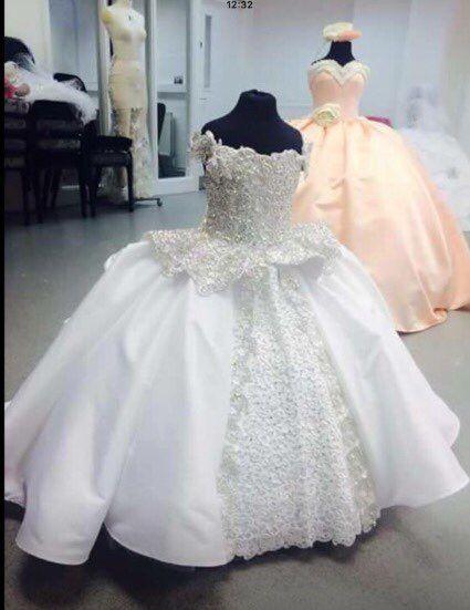 8de9bf62b Da menina de flor vestidos 2016 princesa vestido de baile pérolas Lace Up  corpo inteiro filha menina vestido de cauda primeira comunhão infantis ...