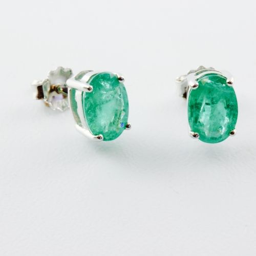 Oval Real Emerald Studs Green And Mean