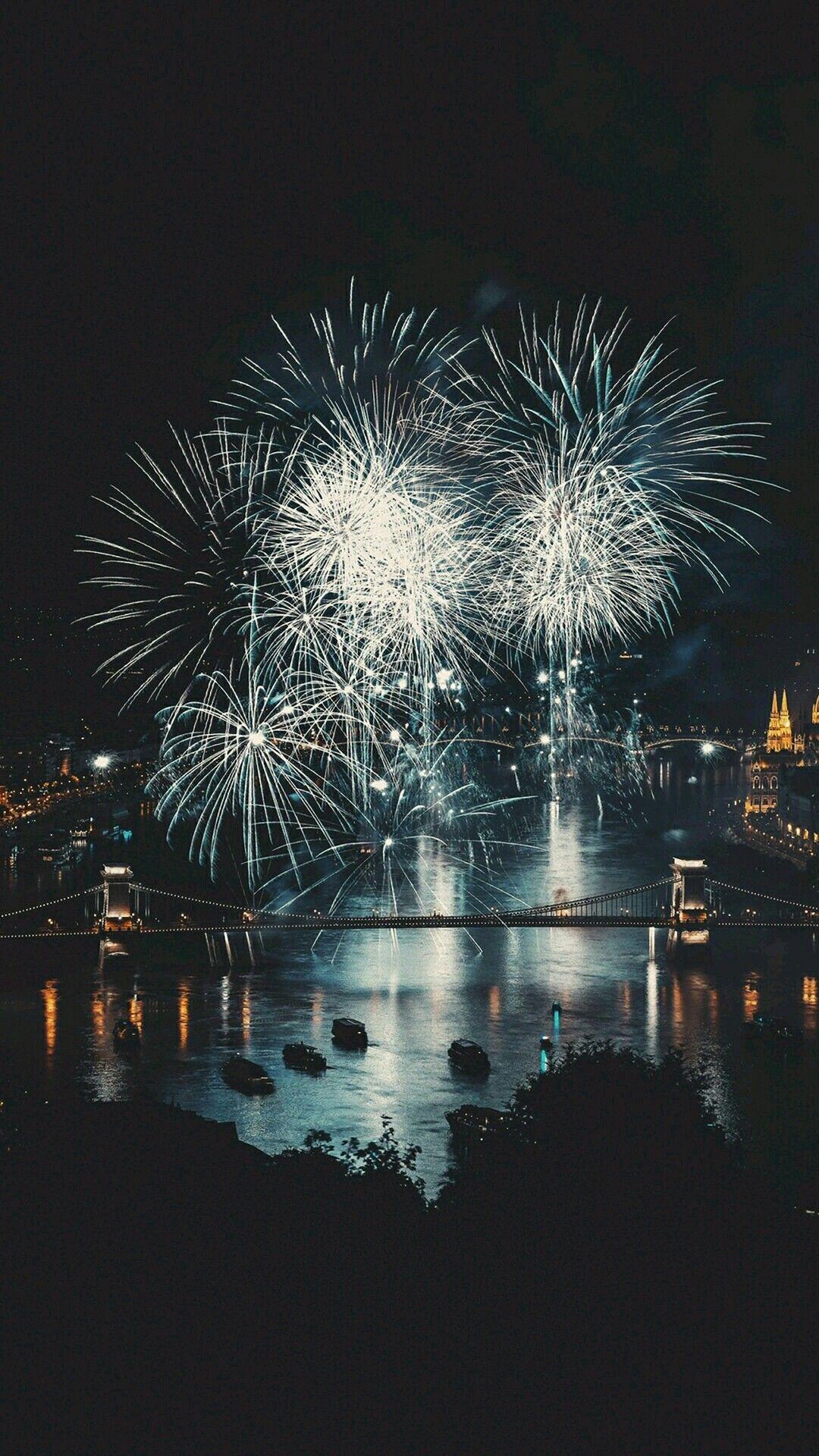 Pin by Sandye Gallatin on Fireworks  Fireworks, New year