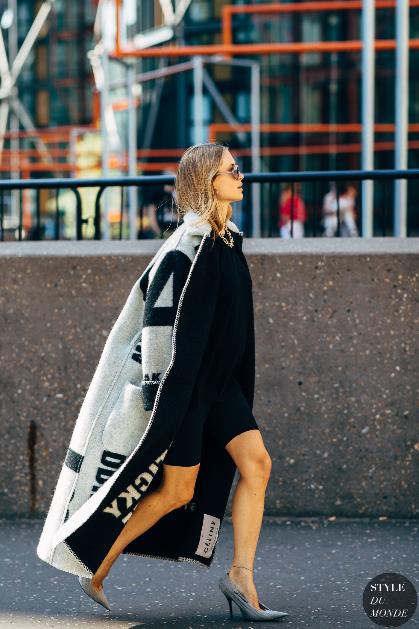 4dd0bb64a232 Pernille Teisbaek by STYLEDUMONDE Street Style Fashion  Photography20180917 48A0280