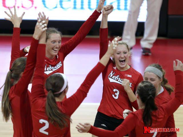 Huskers Battle Bluejays At Centurylink Center University Of Nebraska Volleyball Inspiration Nebraska Football Volleyball Photos