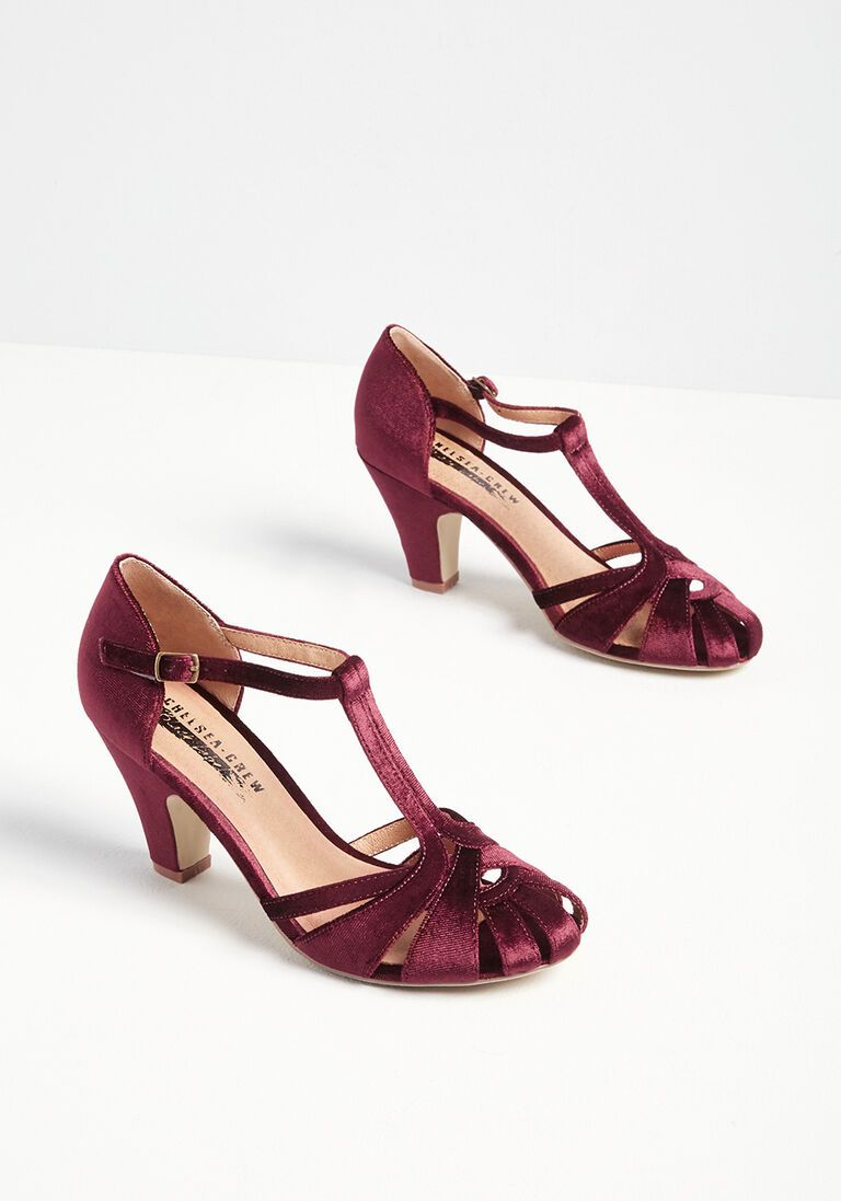 There Chic Goes Velvet T-Strap Heel in 39