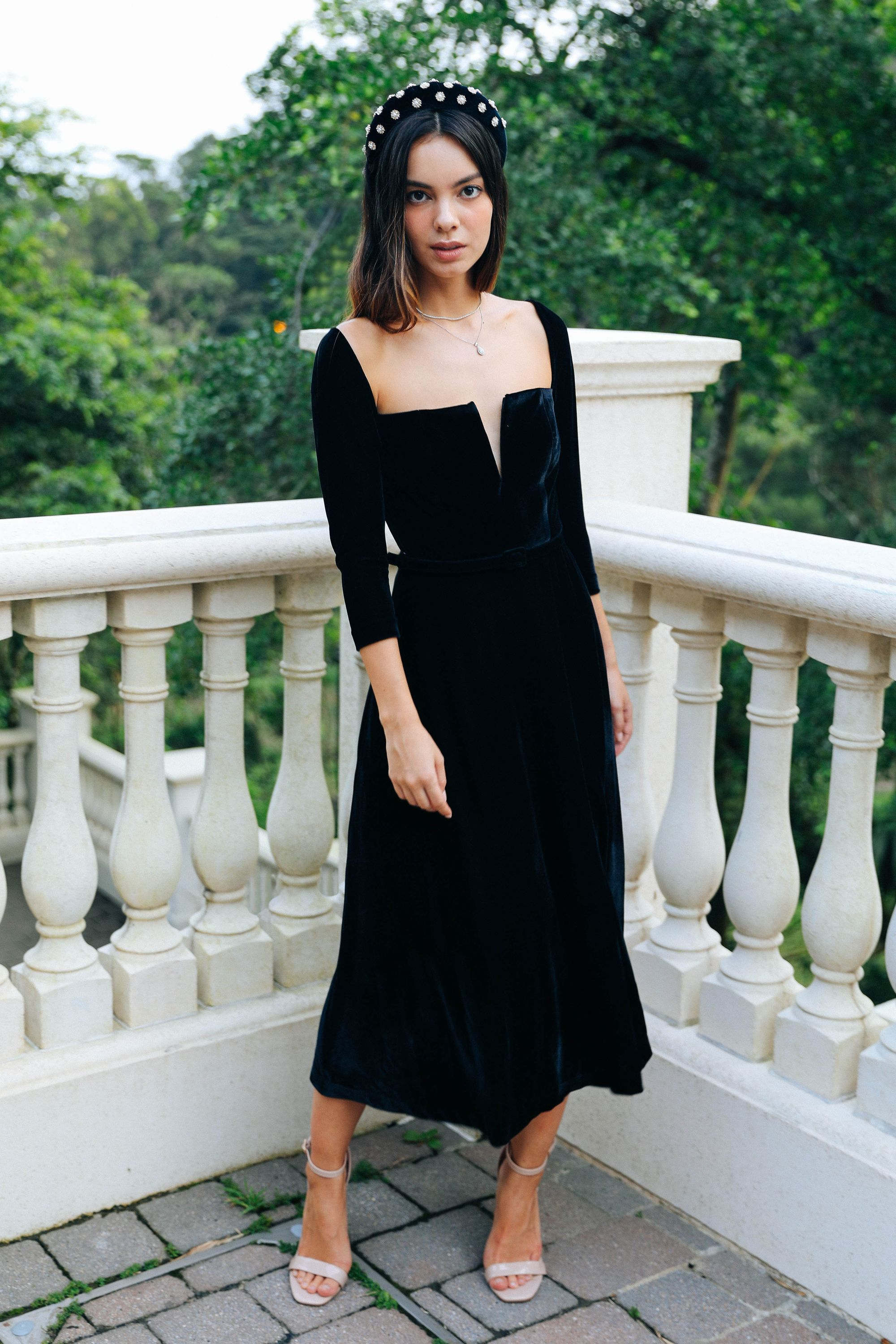 Black Velvet Cocktail Dress With Long Sleeves For Winter Wedding Guest Look Winter Cocktail Dress Velvet Cocktail Dress Cocktail Dress Classy [ 3000 x 2000 Pixel ]