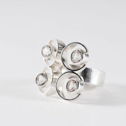 Kultaseppä Salovaara, vintage geometrical ring with 4 rock crystals fitted in silver, 1969. #Finland | NorlingsAntik.com