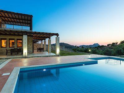 Rethymno villa rental - An aspect of the pool at sunset! Villa - maison de vacances a louer avec piscine