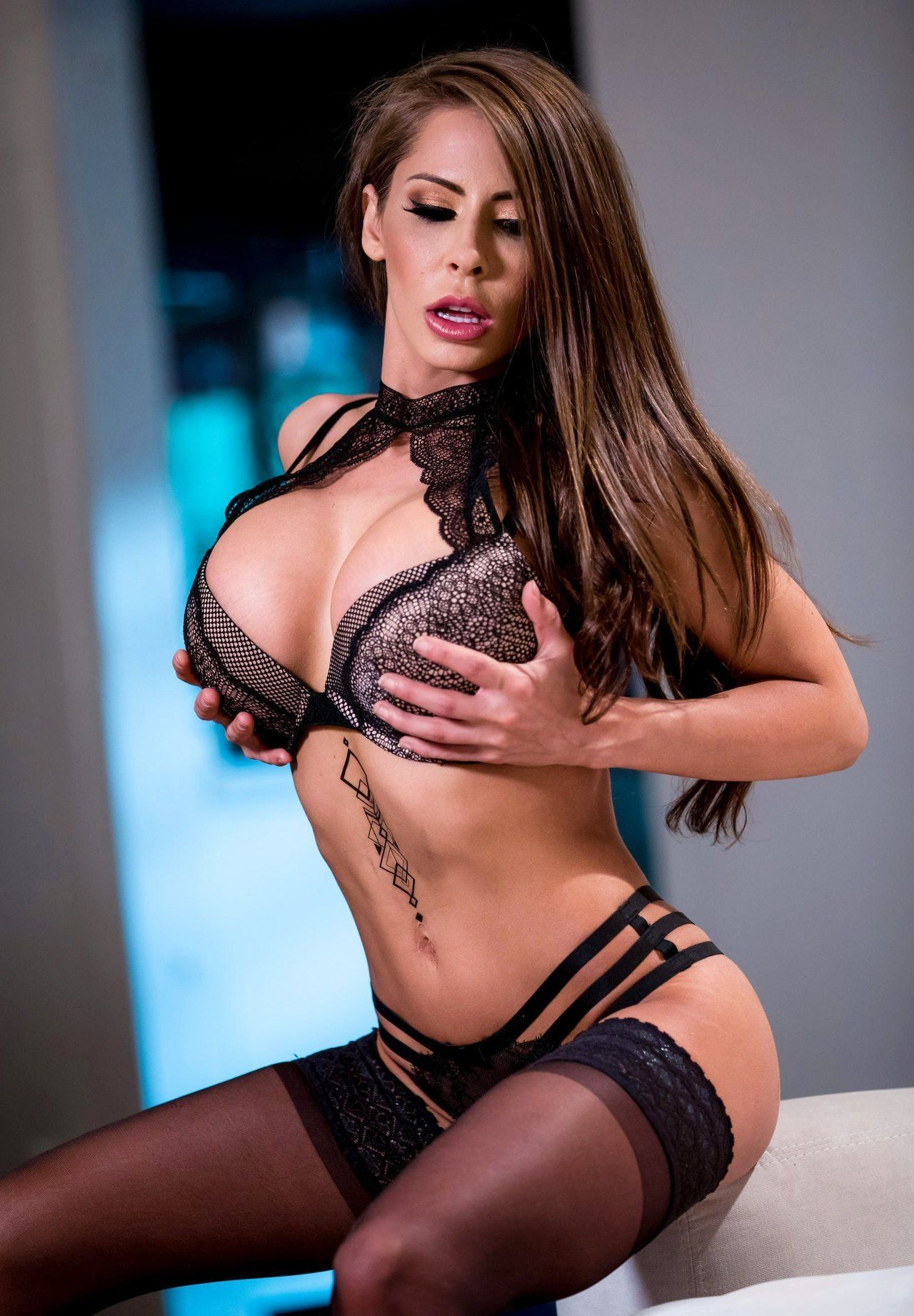 Madison Ivy Picture Gallery - page 3