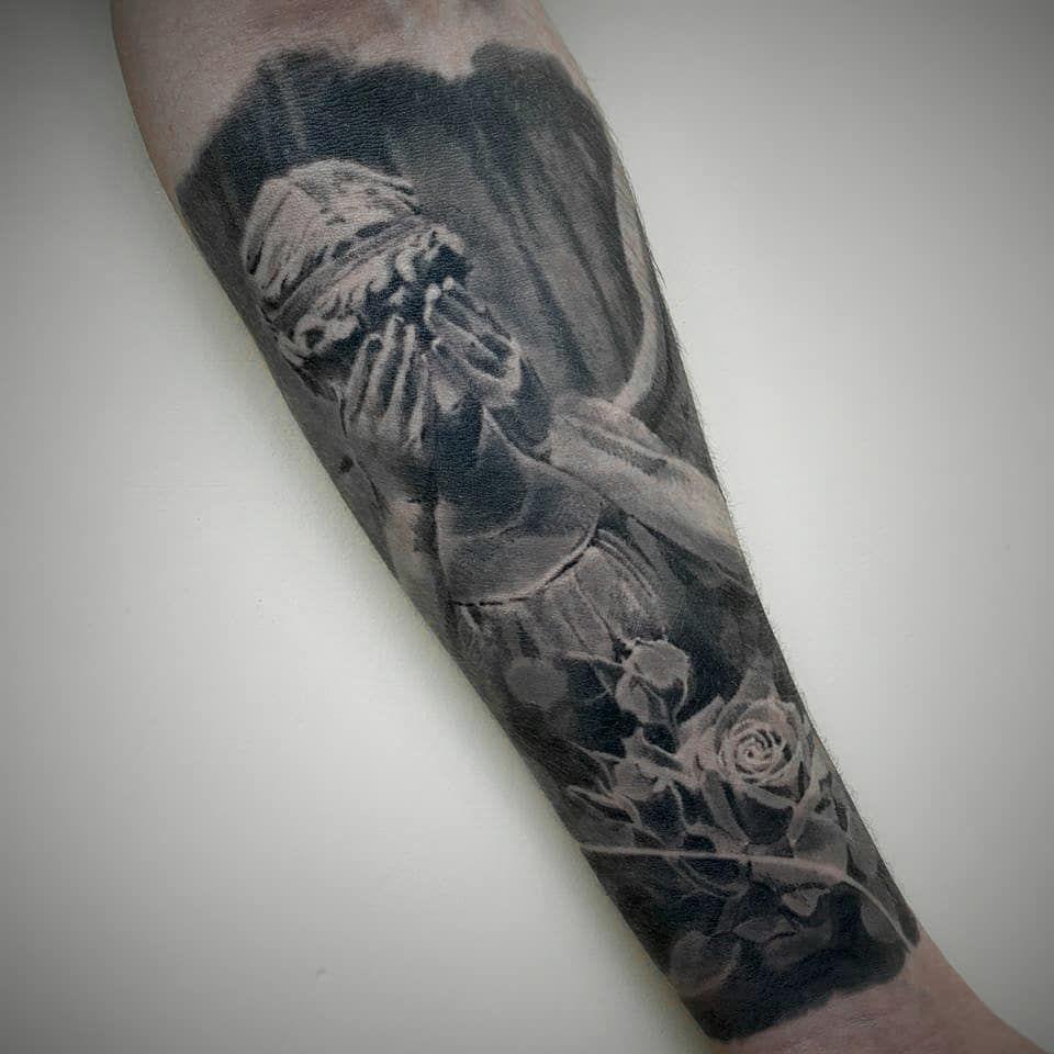 Заживчик, месяца три назад вроде красили. Один сеанс. Темка прям по мне. ⠀  #tattookz  #астанататустудия #blacktattoo #татуастана #астанатату #алмататату #cheyenne_tattooequipment #tattoomaster  #sleevetattoo #almatytattoo #tattooartist #amazing #art #tattooart #татумастер #tattoolife #tattooalmaty #tattoos #tattooed # #blackandgrey #worldfamousink #tattoo #astana #tattooastana #kwadron @eternalink