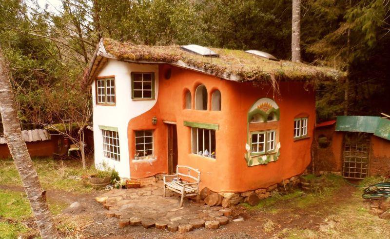 10 Best Cob Houses The Benefits Of Building One Cob House Cob