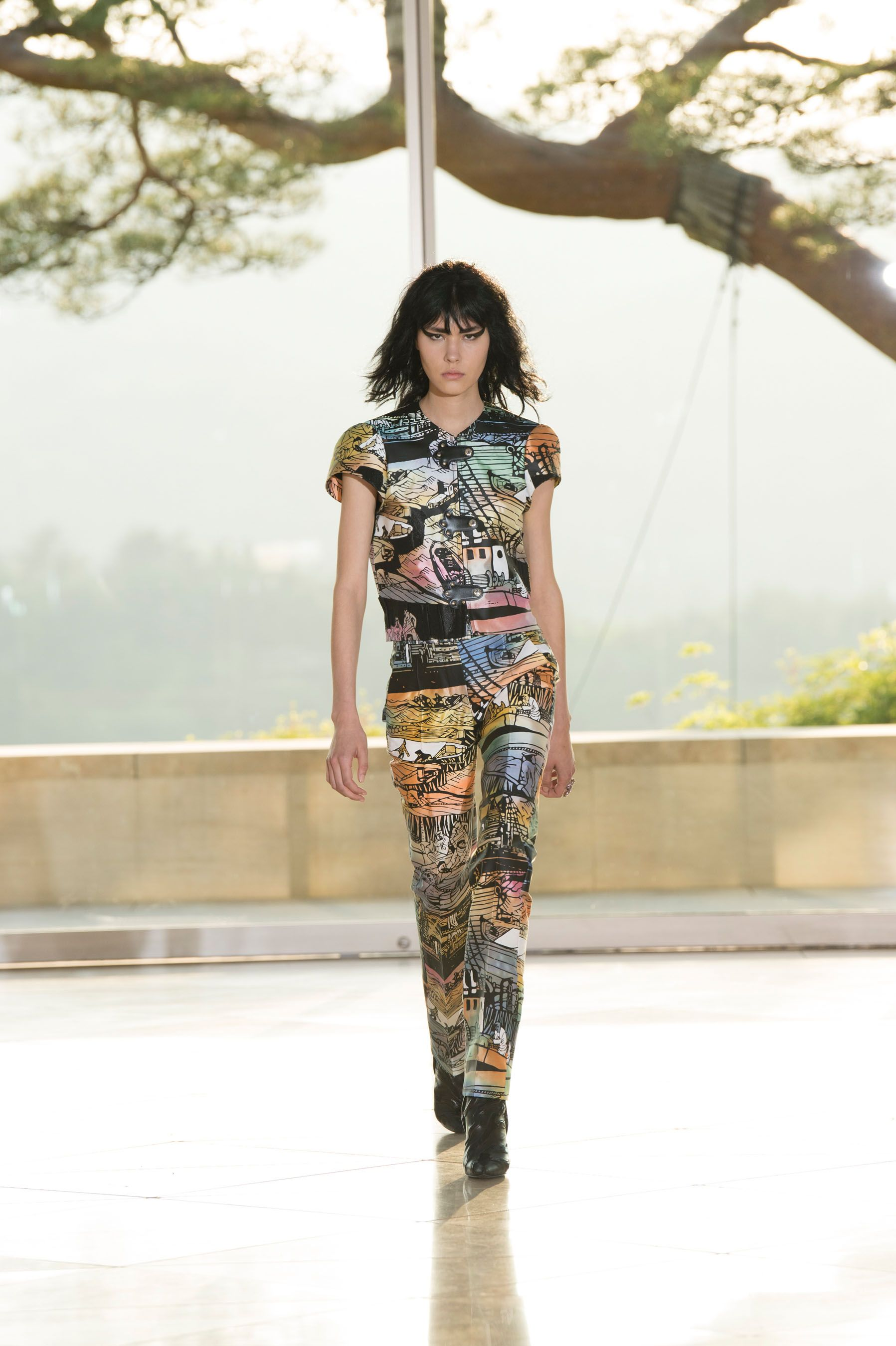 Louis Vuitton Resort 2018 Fashion Show, Cruise, Kyoto, Japan, Runway, TheImpression.com - Fashion news, runway, street style, models, accessories