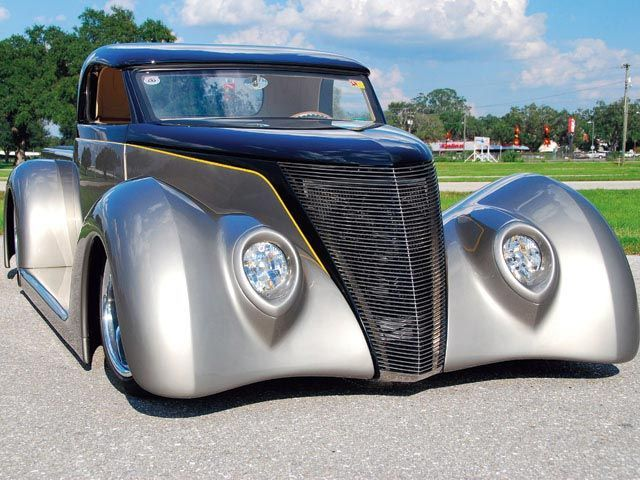 1937 Ford Custom Hot Rod Truck front Detail