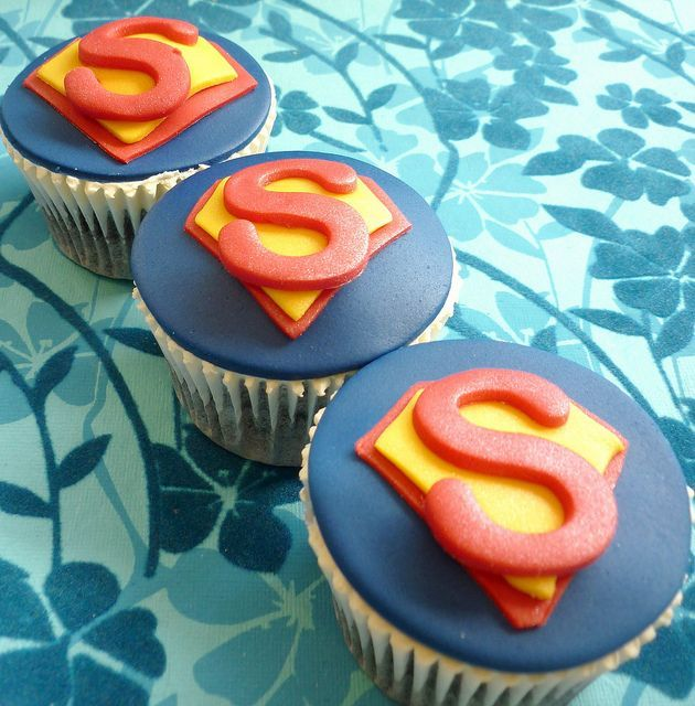 superman cupcake Cakes Pinterest Superman cupcakes Kid