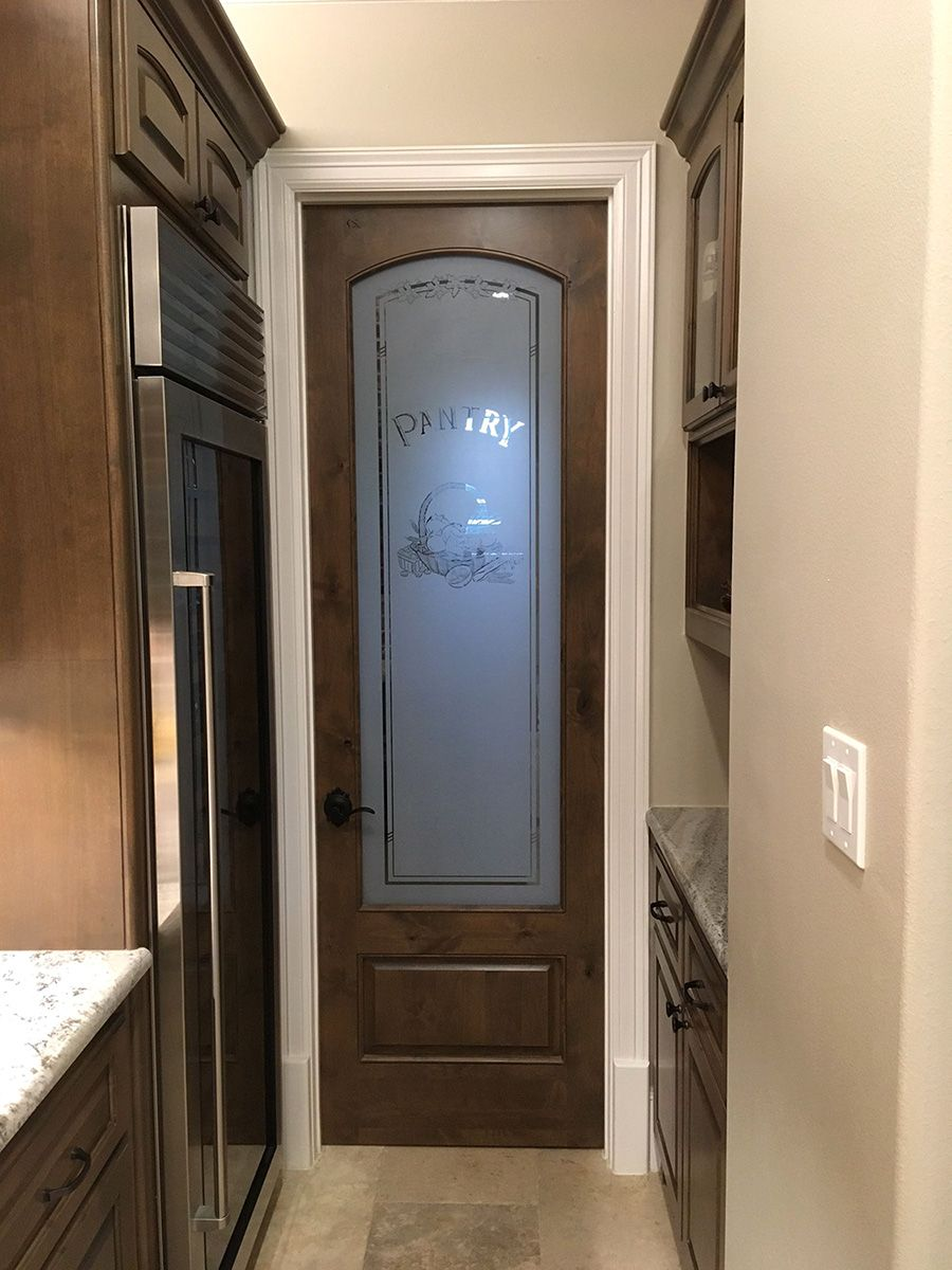 Pantry_Door_Arched_Top_Etched_Glass_Knotty_Alder_Wood