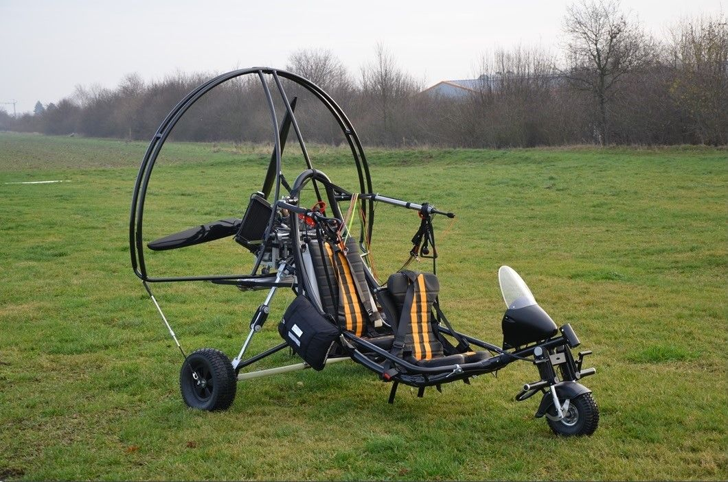 Fresh-Breeze dueto with swissauto250   Powered parachute