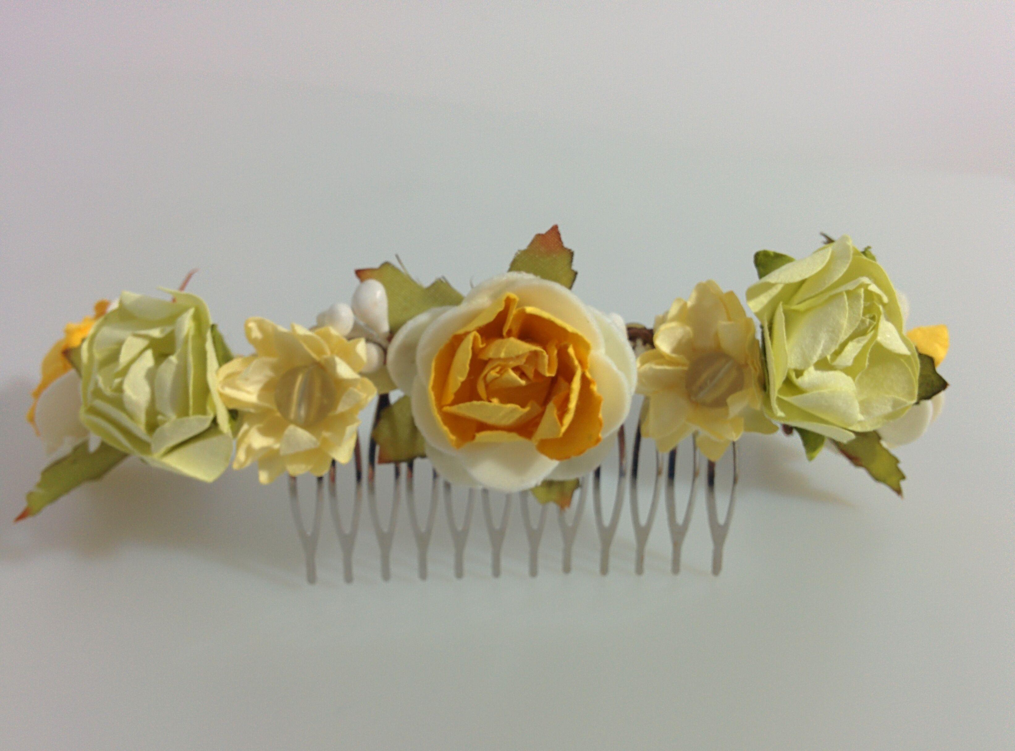 Modelo Egle (1 disponible) #lamoradadenoa #totalgold #dorado #rosas #invitada #boda #pasador #flores