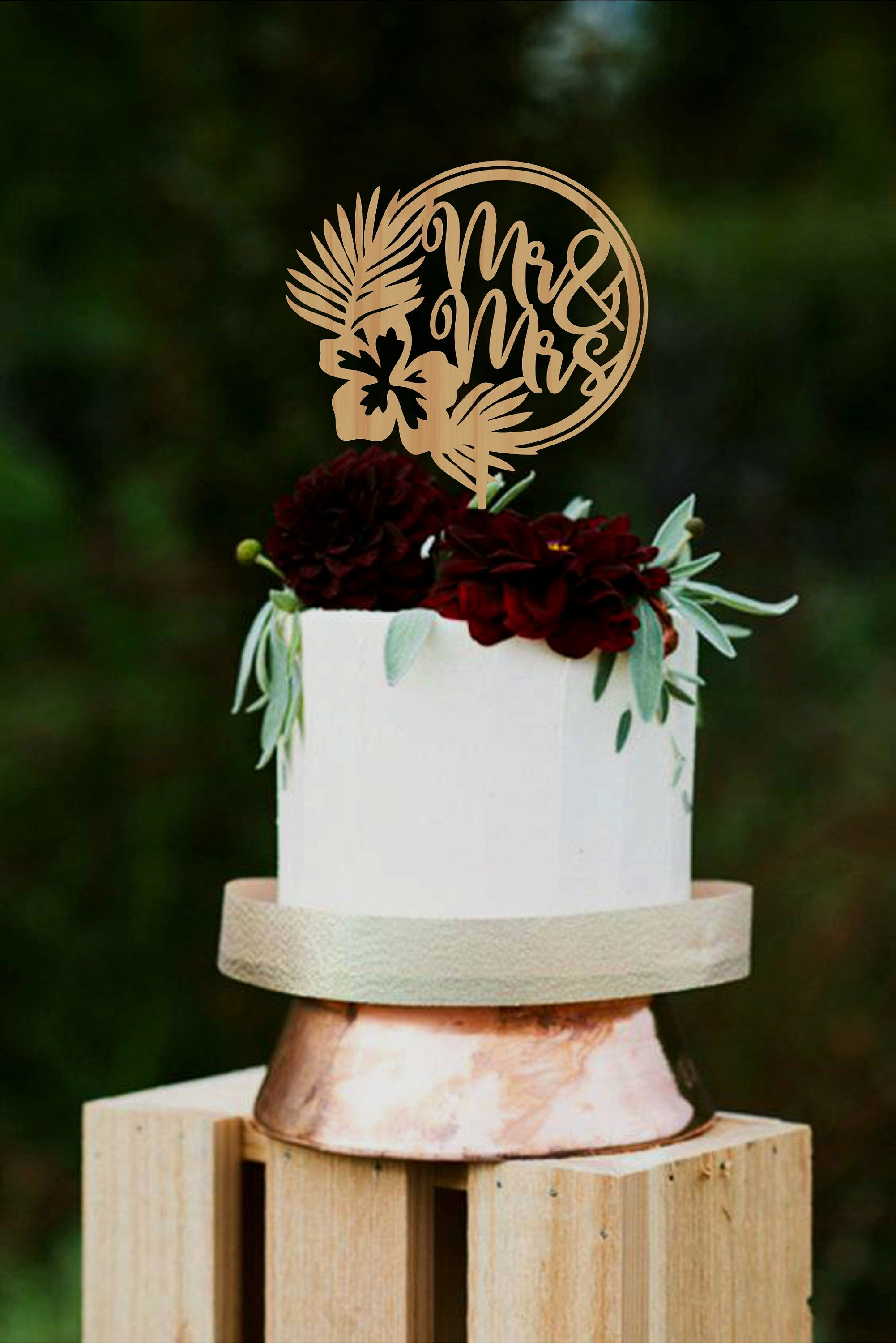 Personalized Mr And Mrs Cake Topper Mr And Mrs Cake Topper Gold Mr And Mrs Cake Topper Walmart In 2020 Geometric Cake Topper Custom Cake Toppers Tropical Wedding Cake