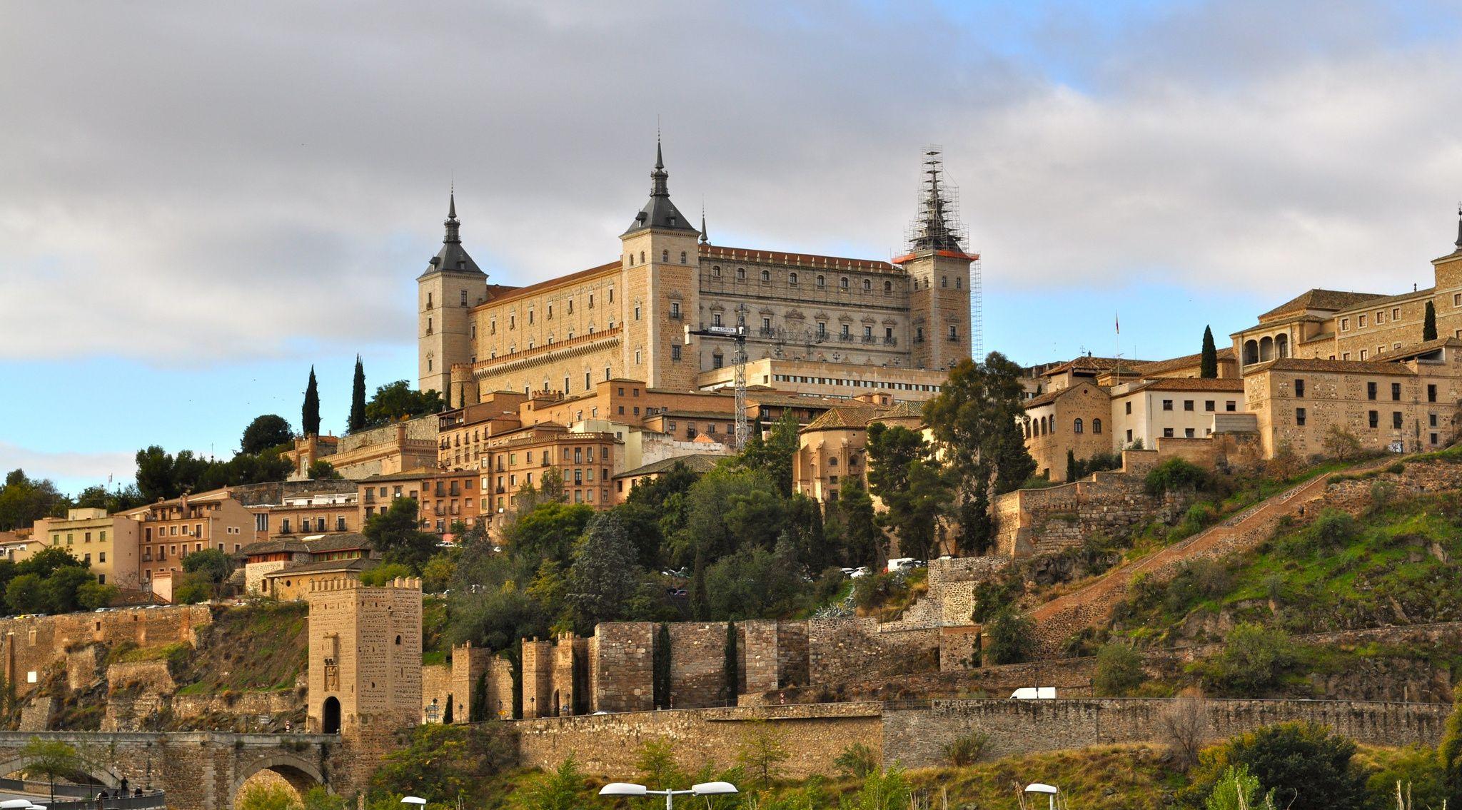 Toledo Spain castle g wallpaper | 2048x1135 | 163468 | WallpaperUP