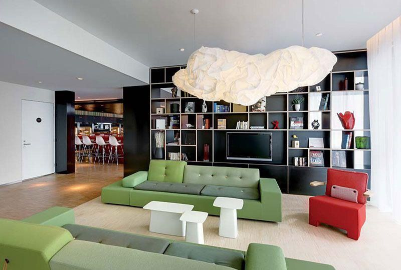 Citizen M Hotel in London - furnished completely with Vitra products - design hotel citizenm london