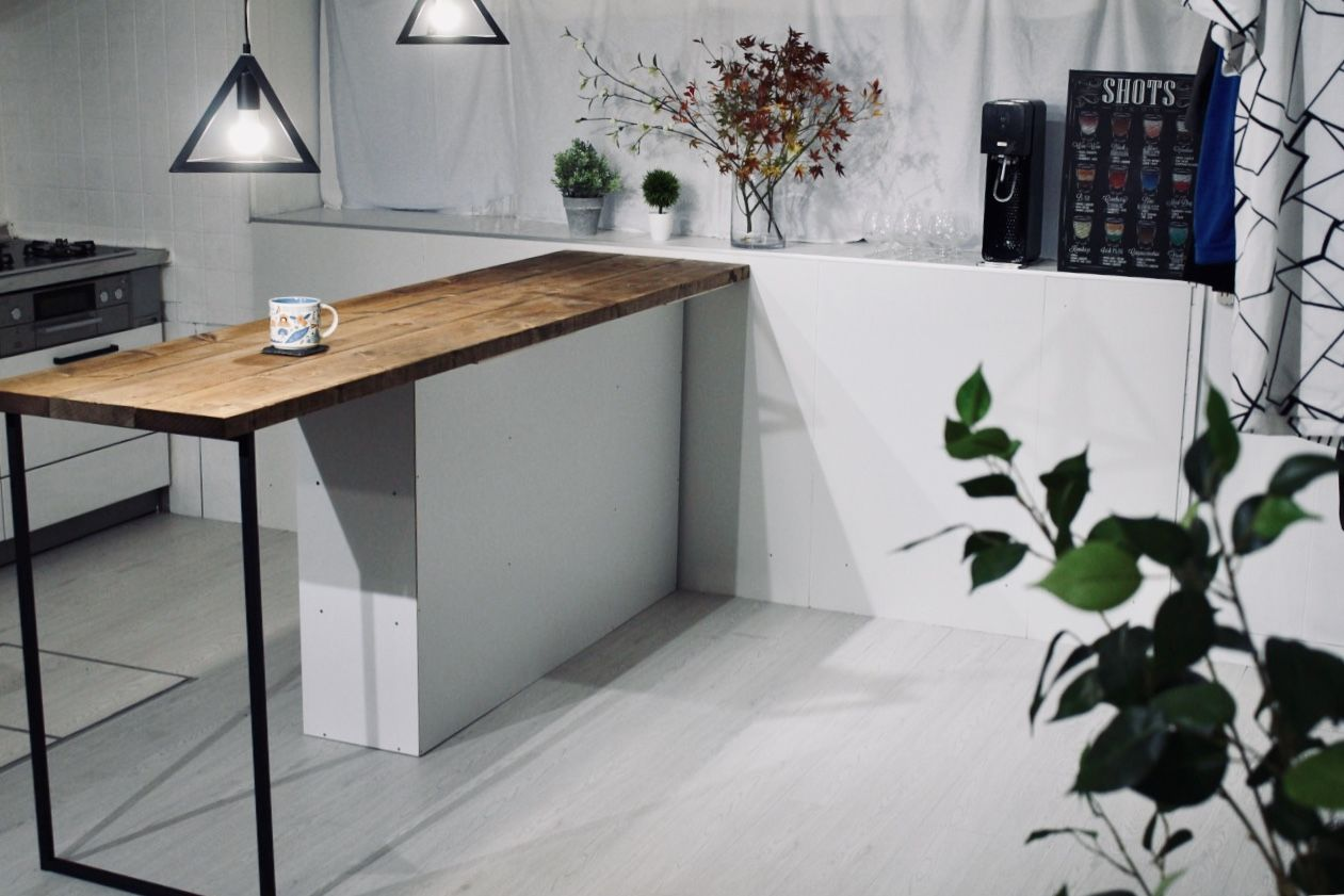 1万円でキッチンにおしゃれなカウンターテーブルをdiy ニトリのカラー