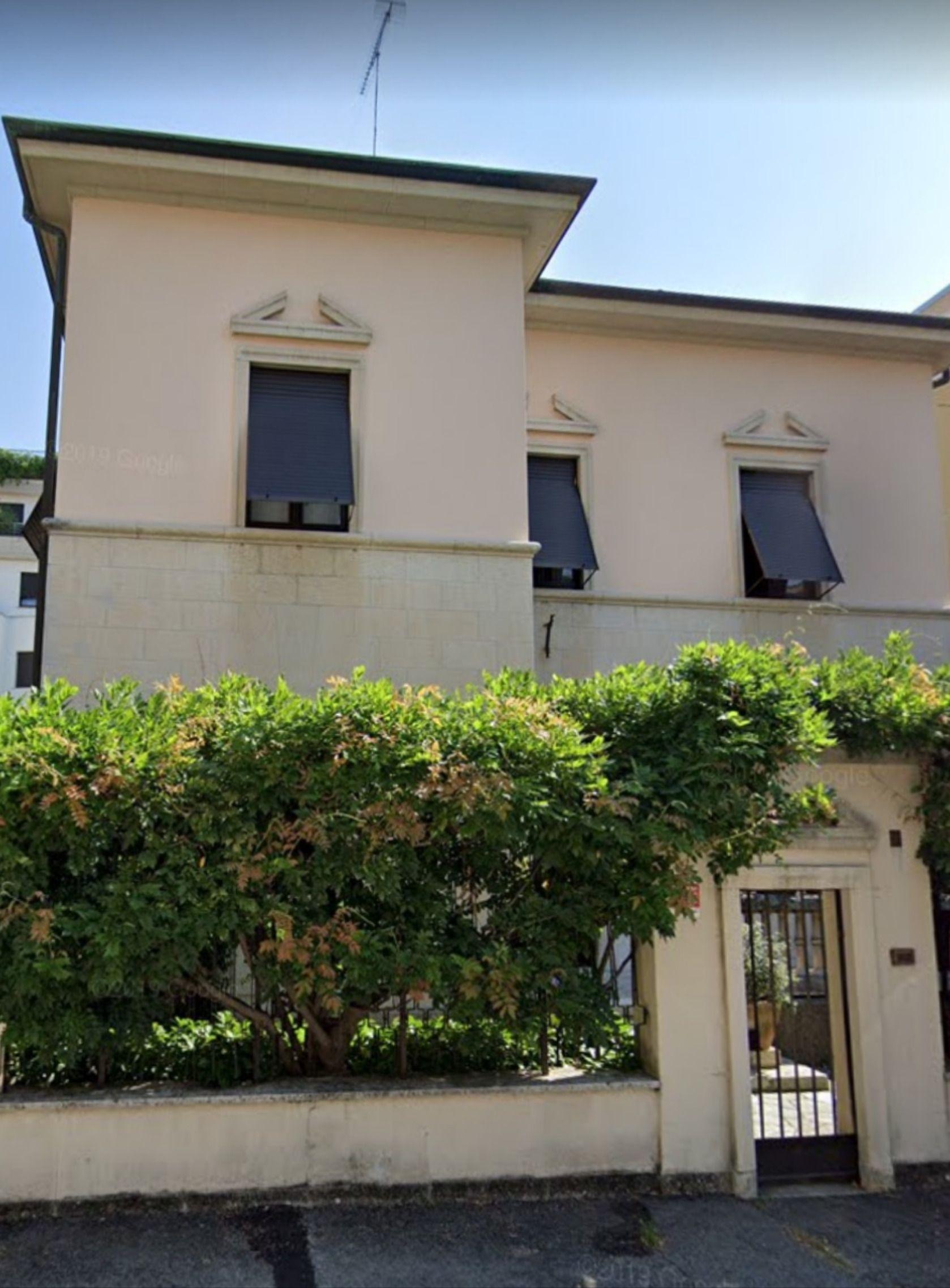Villa A Tre Piani prestigiosa villa in stile liberty dei primi del 900′ nelle