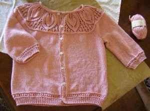 Pattern:  A Modified #14 Leaf Yoke Top by Angela Hahn (Knit.1, SS2009)
