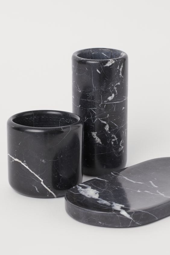 Marmeren Bloempot Zwart Marmer Home H M Be In 2020 Marble Vase Marble Tray Black And Gold Marble