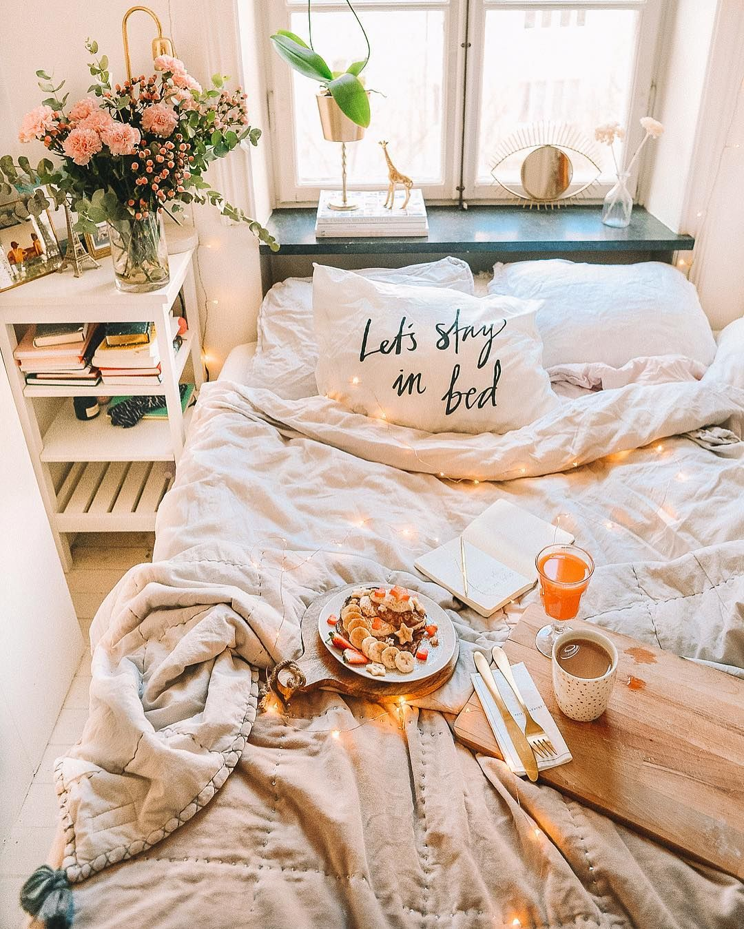 Josefin dahlberg on instagram  cmy weekend plans stay in bed hang out with friends do yoga eat amazing food and feeling the magic vibes you   also best home decor images bedroom inspo mint bedrooms rh pinterest