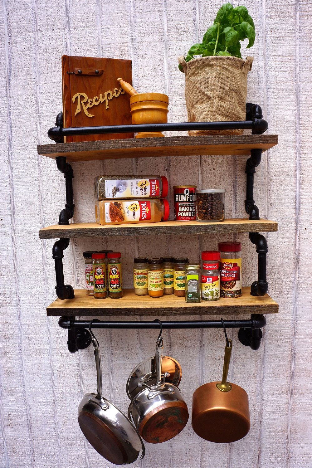 Pin By Tori Relyea On I Can Build That Industrial Decor Kitchen Rustic Industrial Kitchen Industrial Wall Decor