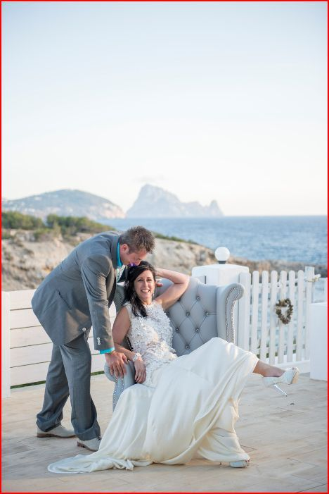 Silk and lace wedding dress made by dellton.co.uk