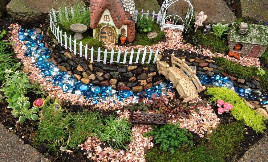 10 Pinterest Fairy Garden Ideas Most Of The Awesome And Also Interesting In 2020 Christmas Fairy Garden Fairy Garden Decor Fairy Garden Houses
