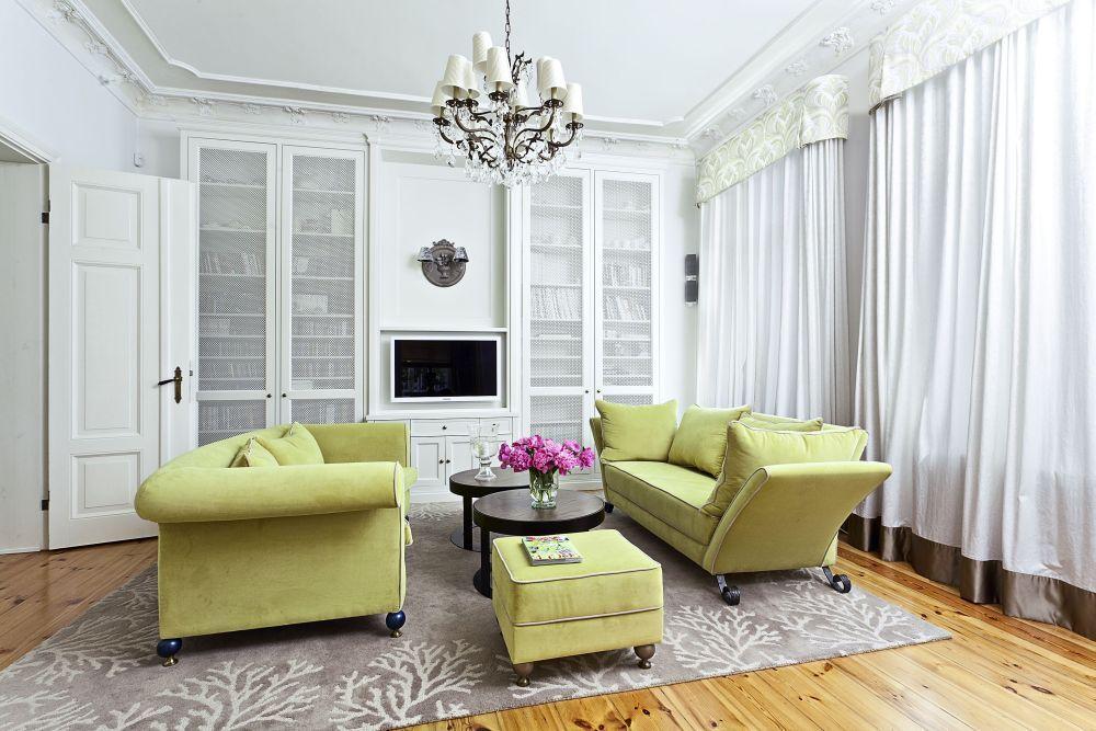 Romantyczna Aranzacja Salonu W Stylu Retro Pomysl Na Biblioteke W Salonie Interior Design Interior Home
