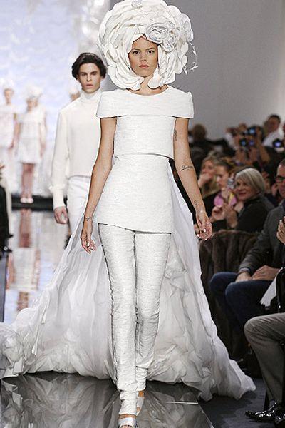 Los 10 vestidos de novia más excéntricos de la alta costura Image: 7 ...