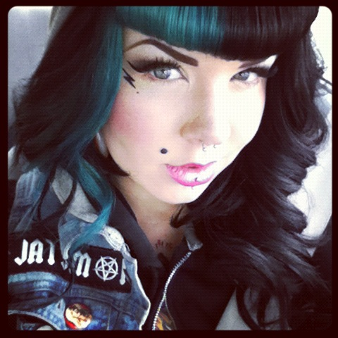 Two Tone Color Bangs Weave Hairstyles Hair Color Bright Hair