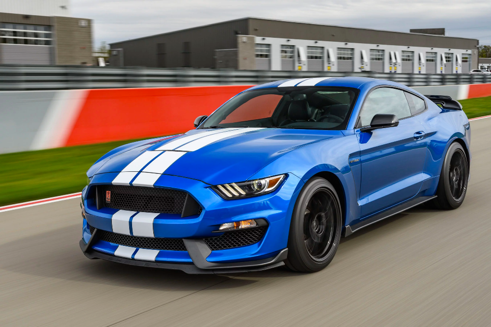 At Speed With The 2019 Mustang Gt350 A Properly Track Tuned Pony Mustang Shelby Ford Mustang Shelby Ford Mustang