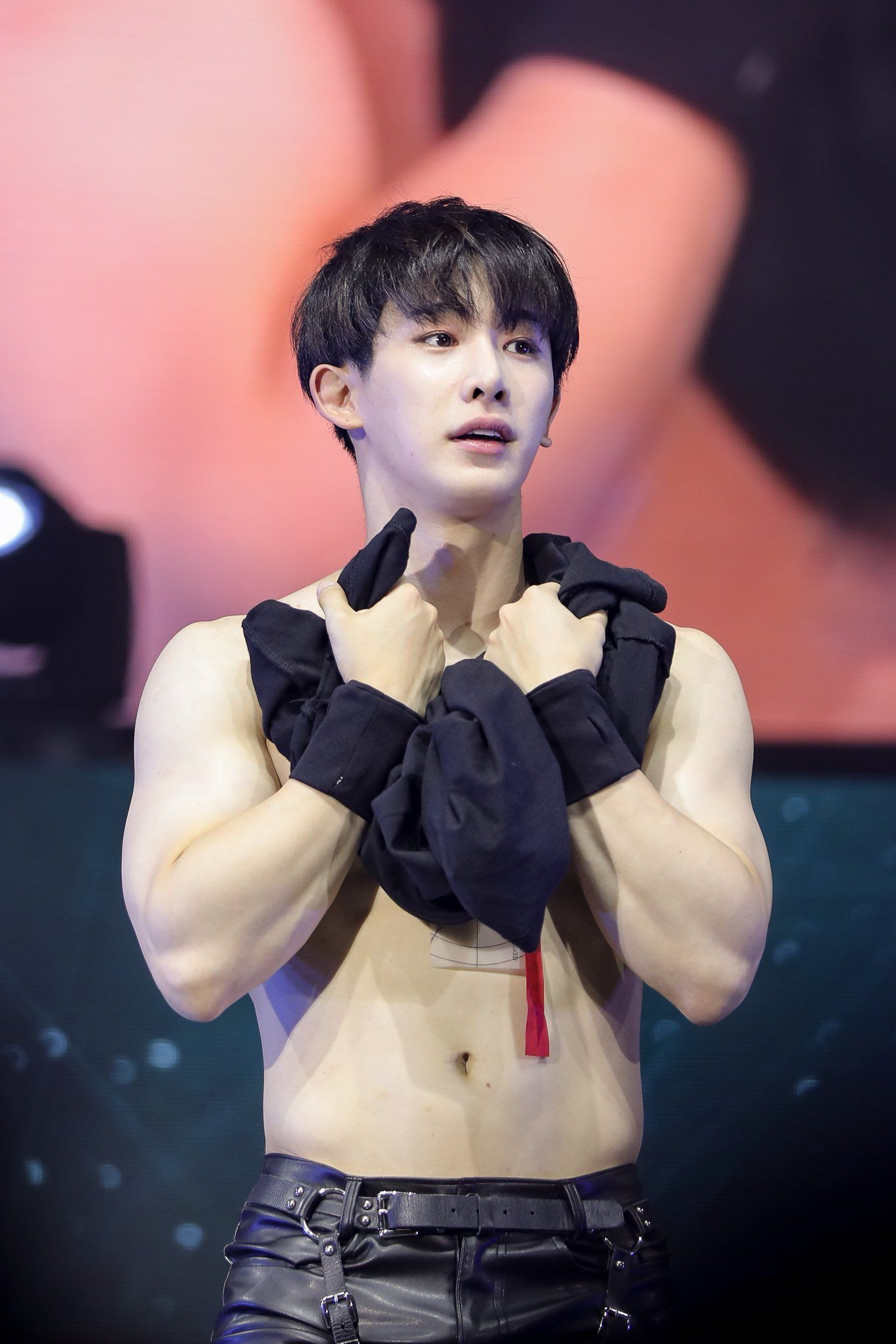 Pin By Monbabe On Monsta X Monsta X Wonho Monsta X Wonho Abs