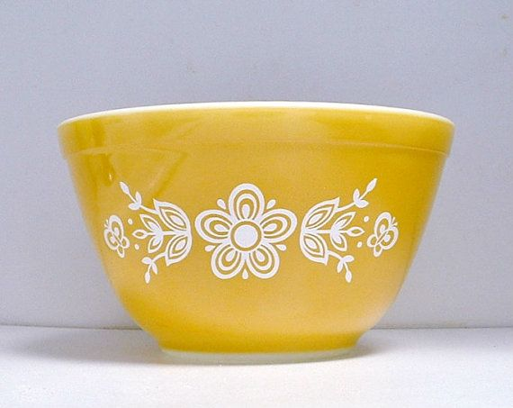 Pyrex Butterfly Gold Mixing Bowl Corning 1970s by ClassicMemories, $10.00