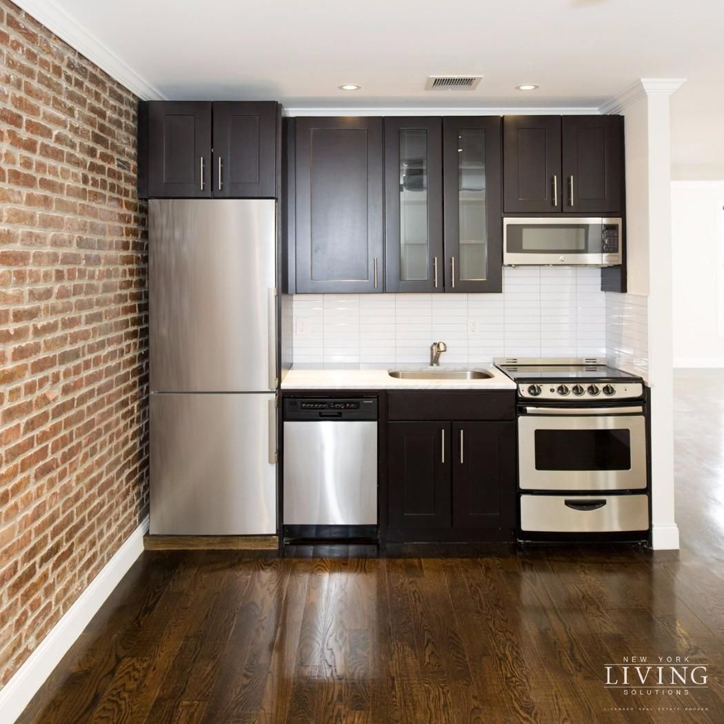 4 Bedrooms 2 Bathrooms Apartment For Sale In Park Slope