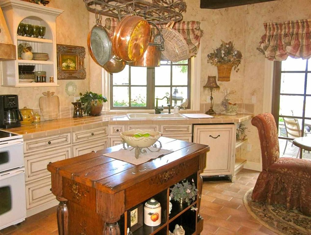 great kitchen ideas this would be great in a small house or as a guest house kitchen on kitchen ideas quirky id=17258