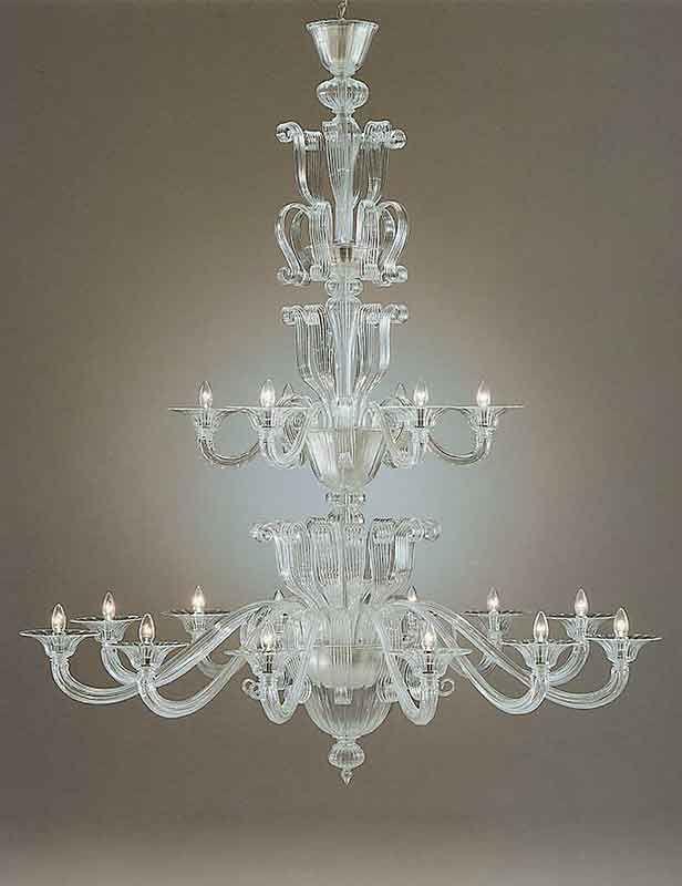 kroonluchter 18 lichts venetiaans helder van kleur kan ook met bladgoud en in groot aantal