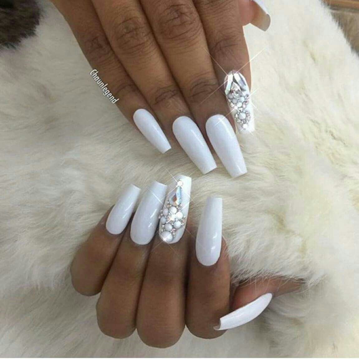 Pin By Gabriela Larios Aguilar On Unas White Coffin Nails White
