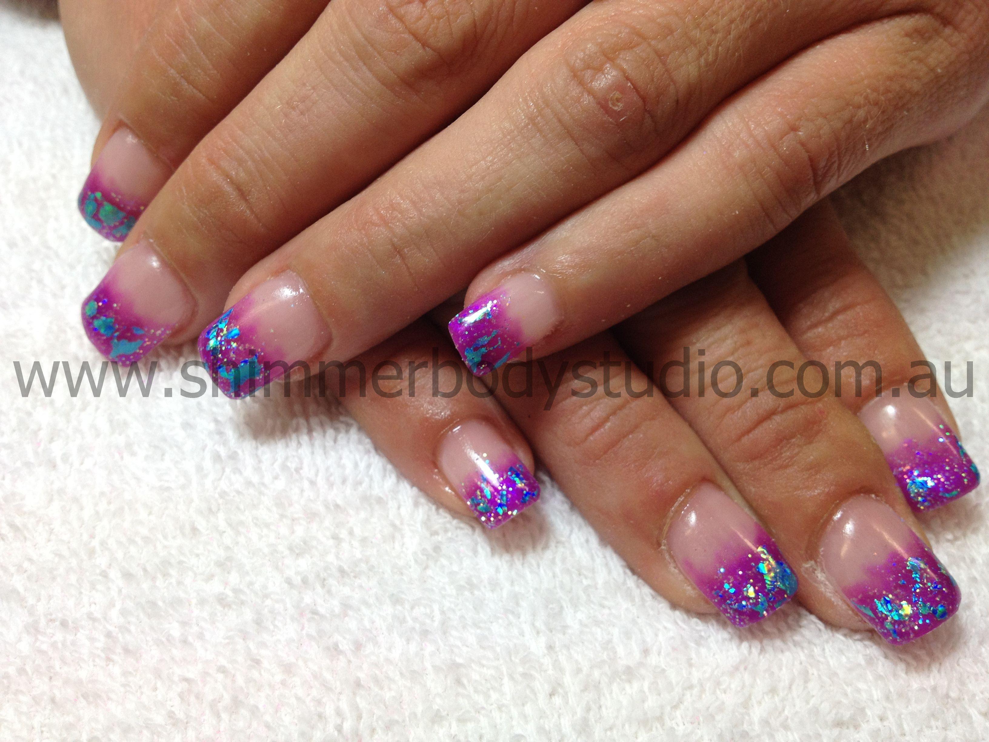 Nail art color violet - Foil Nail Art