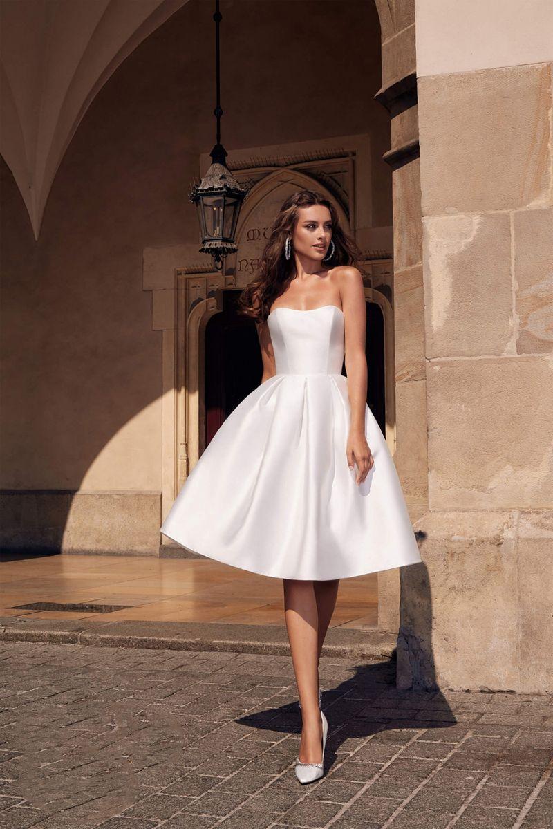 Ss89 Simple Strapless Soft Satin Short Bridal Dress In 2020 Short Bridal Dress Short Bridal Gown Evening Dresses For Weddings [ 1199 x 800 Pixel ]