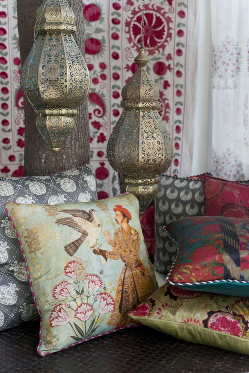 CUSHION COLLECTION Discover our range of rich, evocative