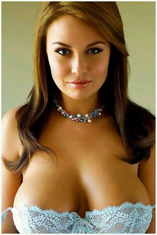 Maria magdalena boobs