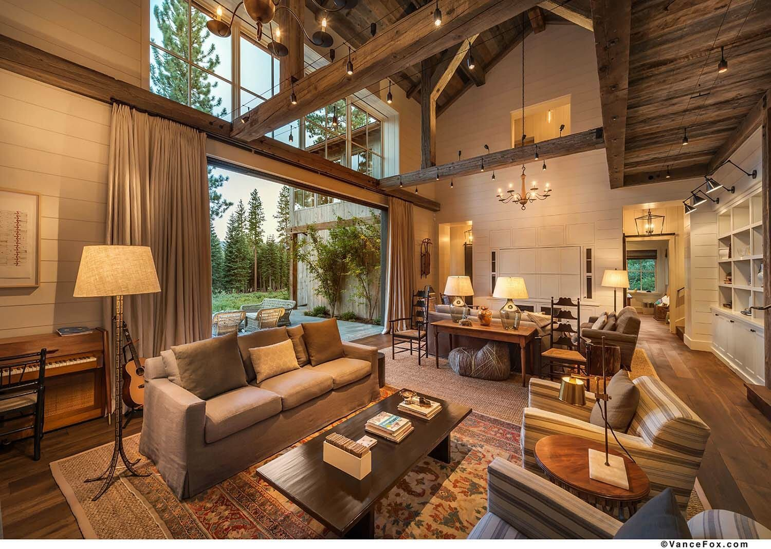 warm and cozy mountain style farmhouse nestled in the on modern cozy mountain home design ideas id=46298