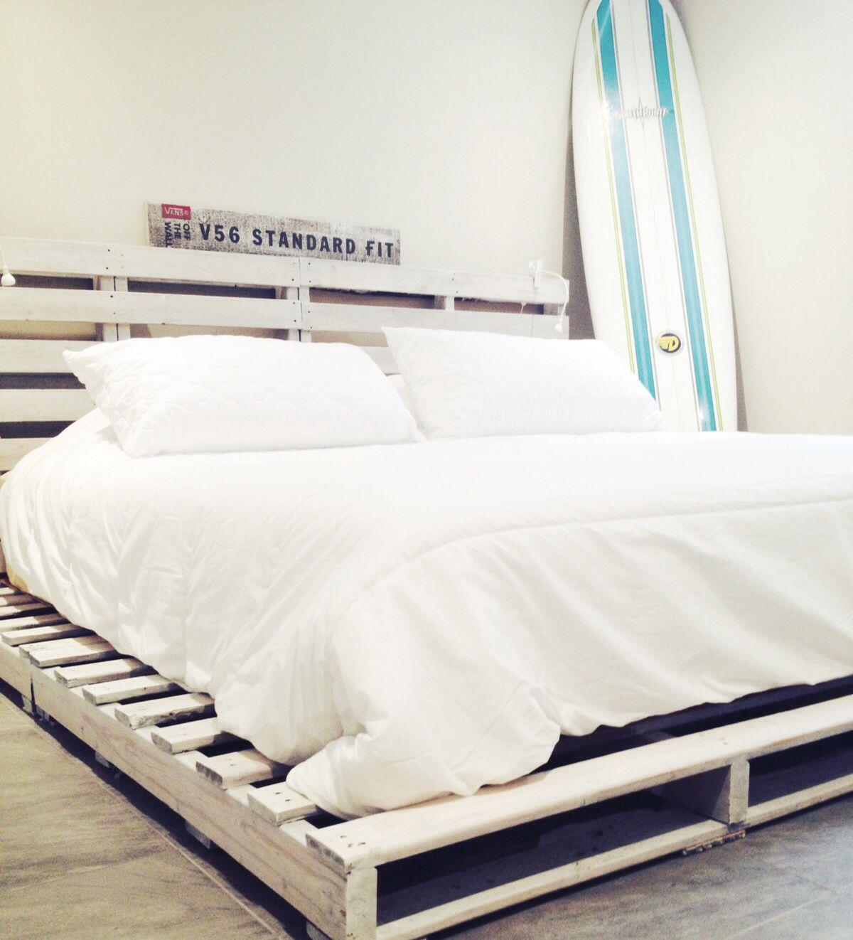Wooden pallet bed/ beach bedroom / surf   Bed, Surf ... on Pallet Bed Room  id=11147