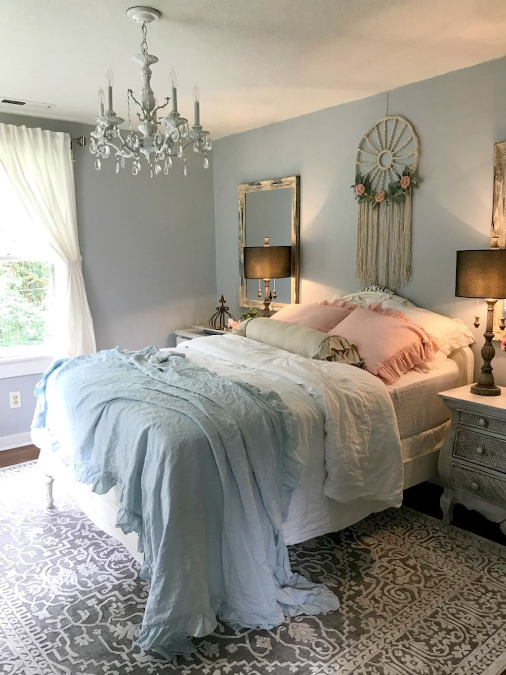 Romantic Shabby Chic Bedroom Decorating Ideas 42