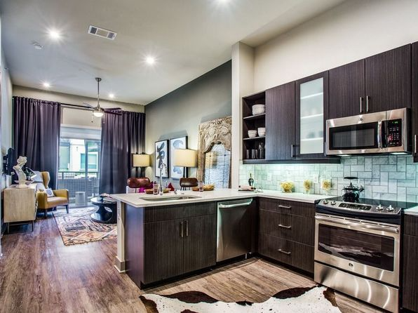 Evoke Apartment Rentals With Virtual Tours Plano Tx Zillow Rental Apartments Apartment Apartments For Rent