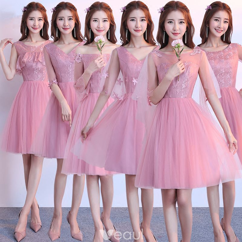 cb6329d5f Hermoso Rosa Vestidos De Damas De Honor 2018 A-Line   Princess Apliques Con  Encaje Por La Rodilla Ruffle Sin Espalda Vestidos para bodas