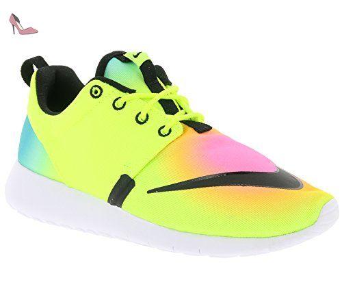 save off d89ec f190c Nike Roshe One Fb (Gs), Chaussures de Foot Garçon, Amarillo (Amarillo
