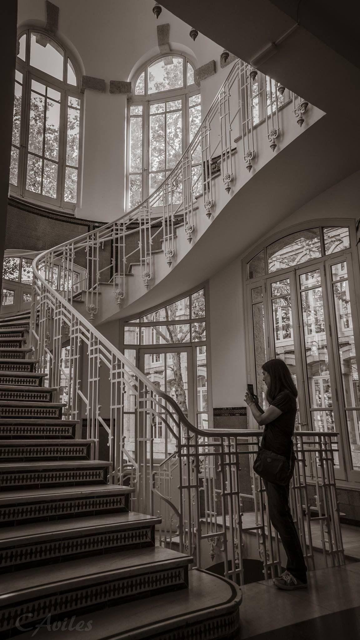 Escaleras del antiguo hospital de Maudes. Obra de Antonio Palacios.